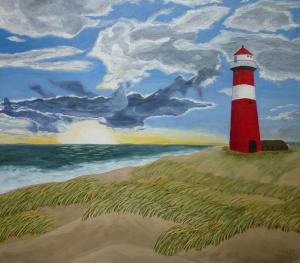 Schilderij van een vuurtoren in de duinen, en de zon die in de zee zakt op de achtergrond